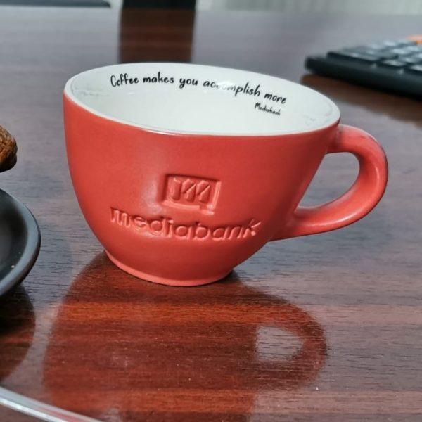 Căni cafea logo în relief - front