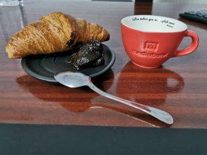 Căni cafea logo în relief