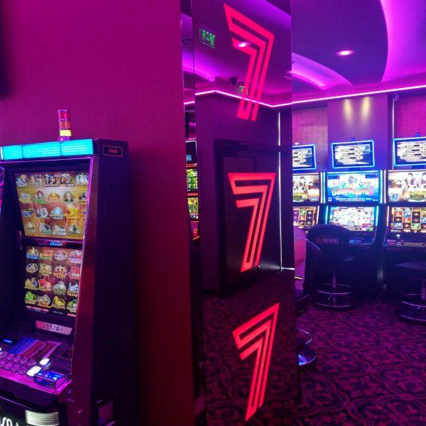 Proiect unic - Reclamă luminoasă din oglindă din sticlă bronz Casino