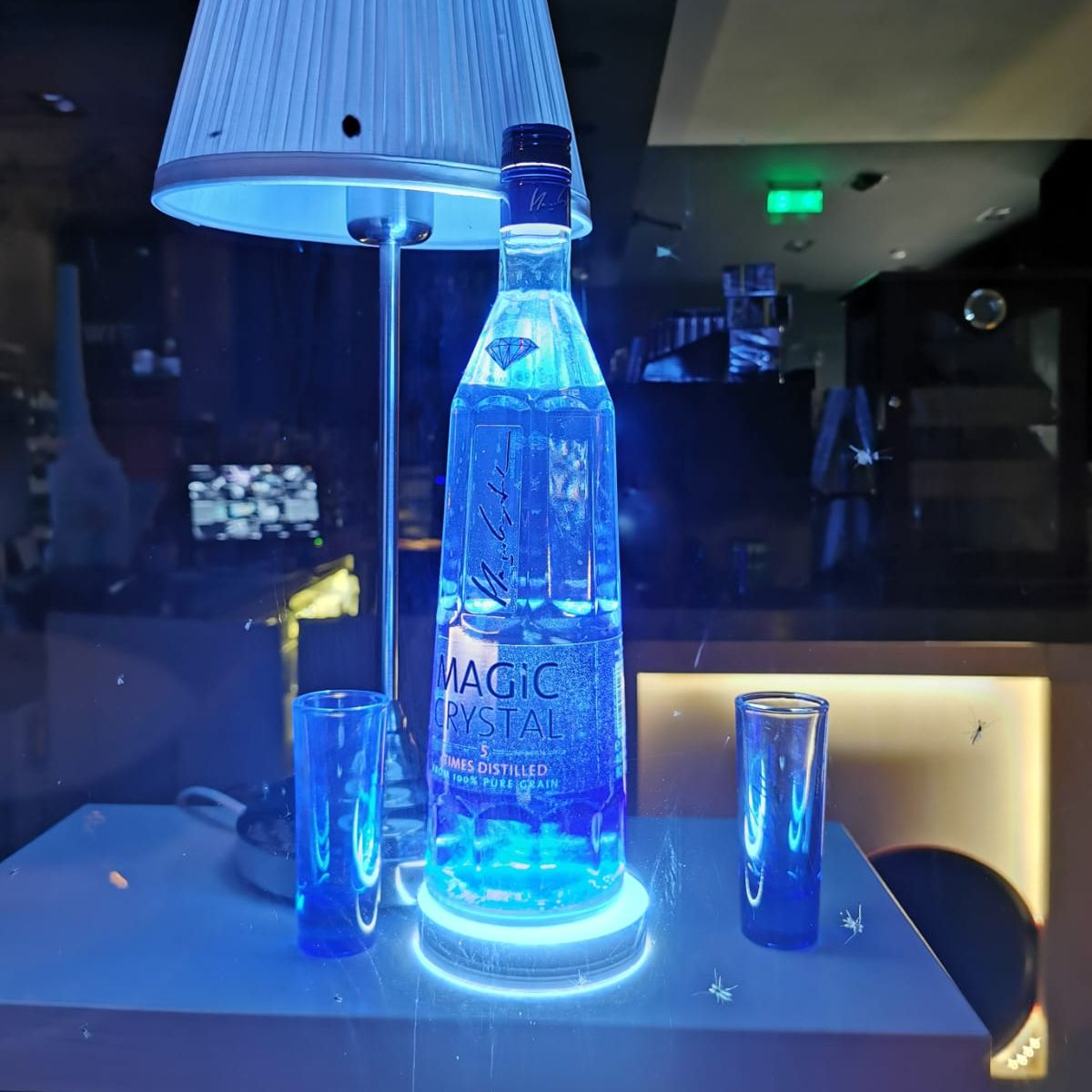 Iluminare sticla bautura - front