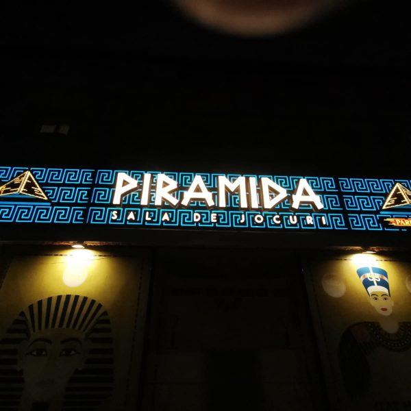 Reclamă din bond cu lumină integrată plexiglas 20mm, piramidă oglindă 3D, swarovski - Casino