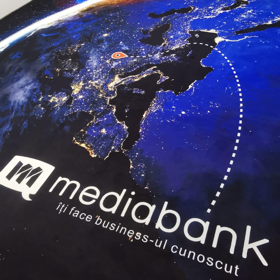 Mochetă personalizată Mediabank